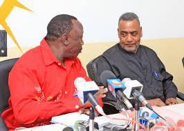 Profisa Ibrahim Lipumba akiwa na katibu wa CUF Malim Seif Hamad