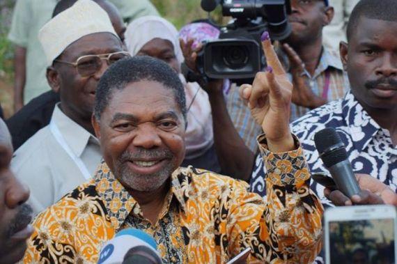 Mgombea urais wa Zanzibar kwa tiketi ya Chama cha Mapinduzi (CCM), Dk. Ali Mohammed Shein, tayari ameshapiga kura yake kwenye Kituo cha Skuli ya Bungi kusini mwa kisiwa cha Unguja, majira ya saa moja asubuhi  Shein  amewaambia  waandishi  wa  habari   kuwa amejipigia kura mwenyewe na ana matumaini makubwa yakushinda